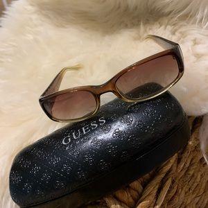 Classy GUESS Sunglasses